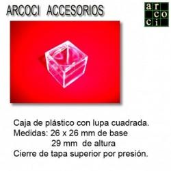 Caja de plástico con lupa 2x2