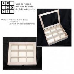 Caja de madera con 9 departamentos.