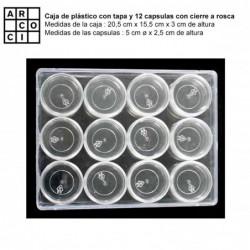 Caja de plástico con con 12 capsulas.