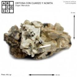ORTOSA CON CUARZO Y ACMITA (MARRUECOS)