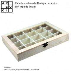 Caja de madera con 20 departamentos con tapa.
